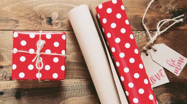 Best farewell gifts for friends and collgeaues